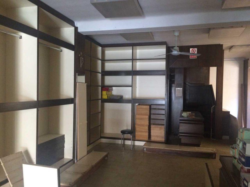 Locale commerciale 2 Vetrine in vendita –  Grado